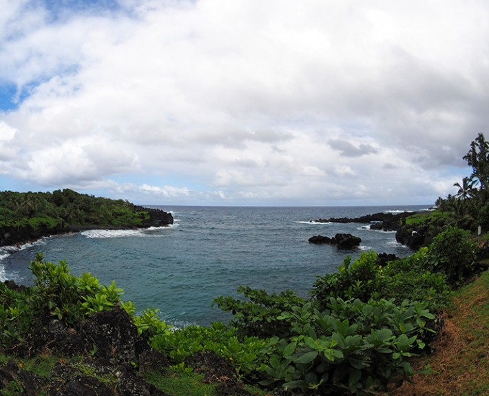 A wide angle view of the popular Wainapanapa State Park in Maui, Hawaii