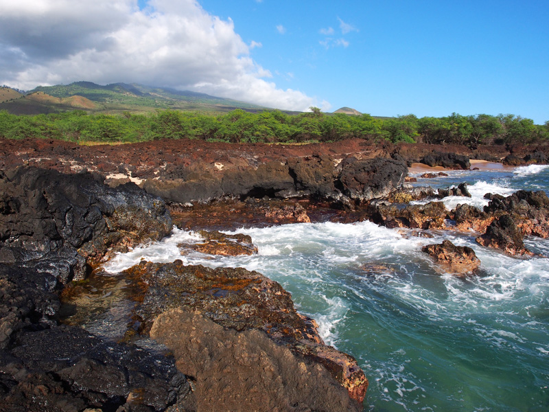 The scenic La Perouse Bay rocky shoreline on the south end of Maui, hawaii